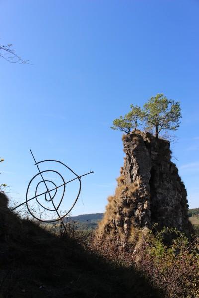 "September 2018,""Standspirale""Fundholz (Efeu) auf dem Auberg in Gerolstein/Eifel."