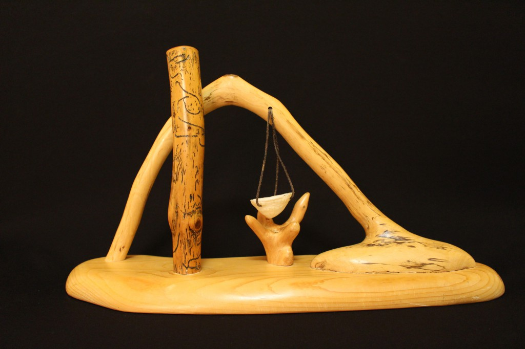 """Menetekel""   1997,Holz. Stehend, 30 cm hoch"