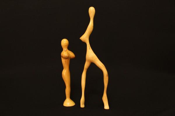 """""""Madrone und Schlanke""""   1994/2000, Holz, stehend,             23 und 32 cm hoch"""