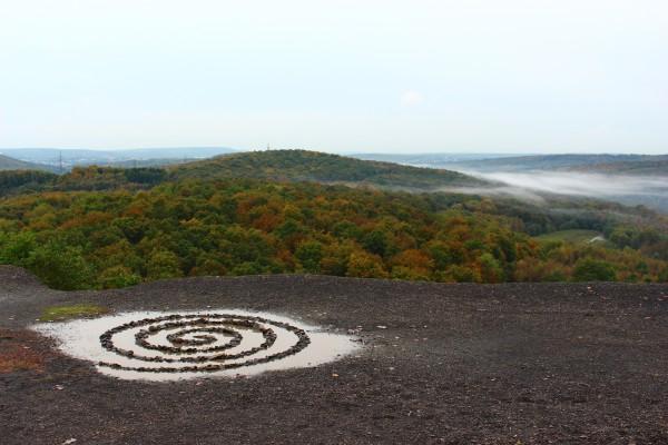 """Oktober 2014,  """"Spirale""""  Auf der Halde """"Lydia"""" bei Camphausen (Saar)"""