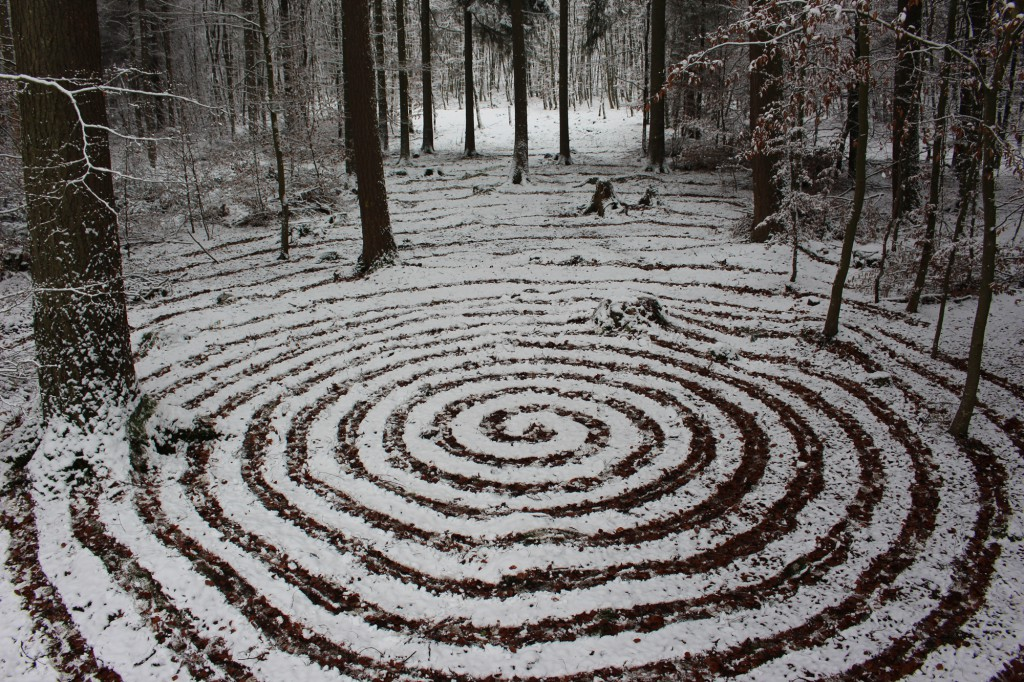 """Dezember 2014,   """"Spirale im Schnee""""   Scharrbild bei Türkismühle"""